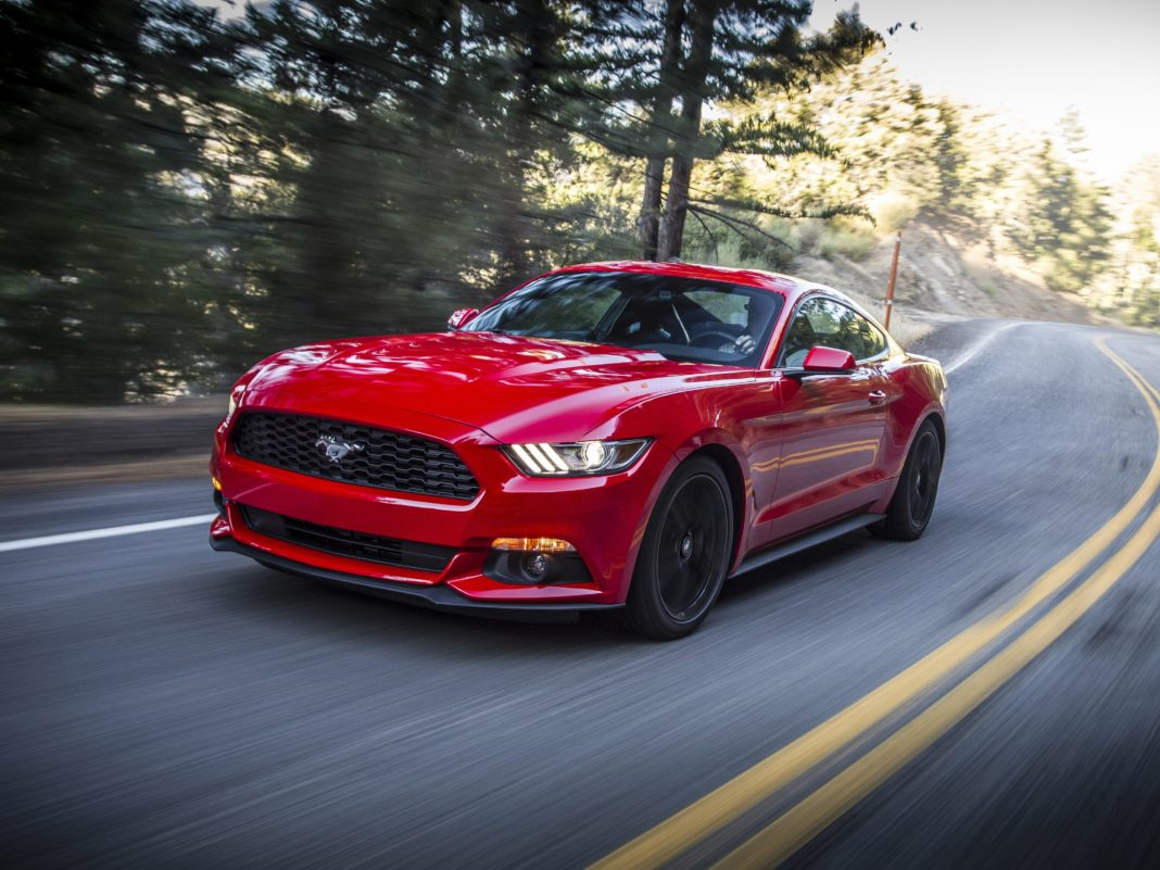 Ford Mustang ecoboost 2017 downshift