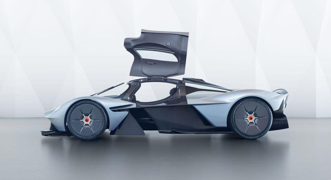 Aston Martin Valkyrie coté porte