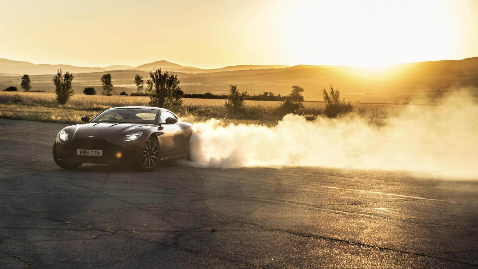Aston Martin DB12