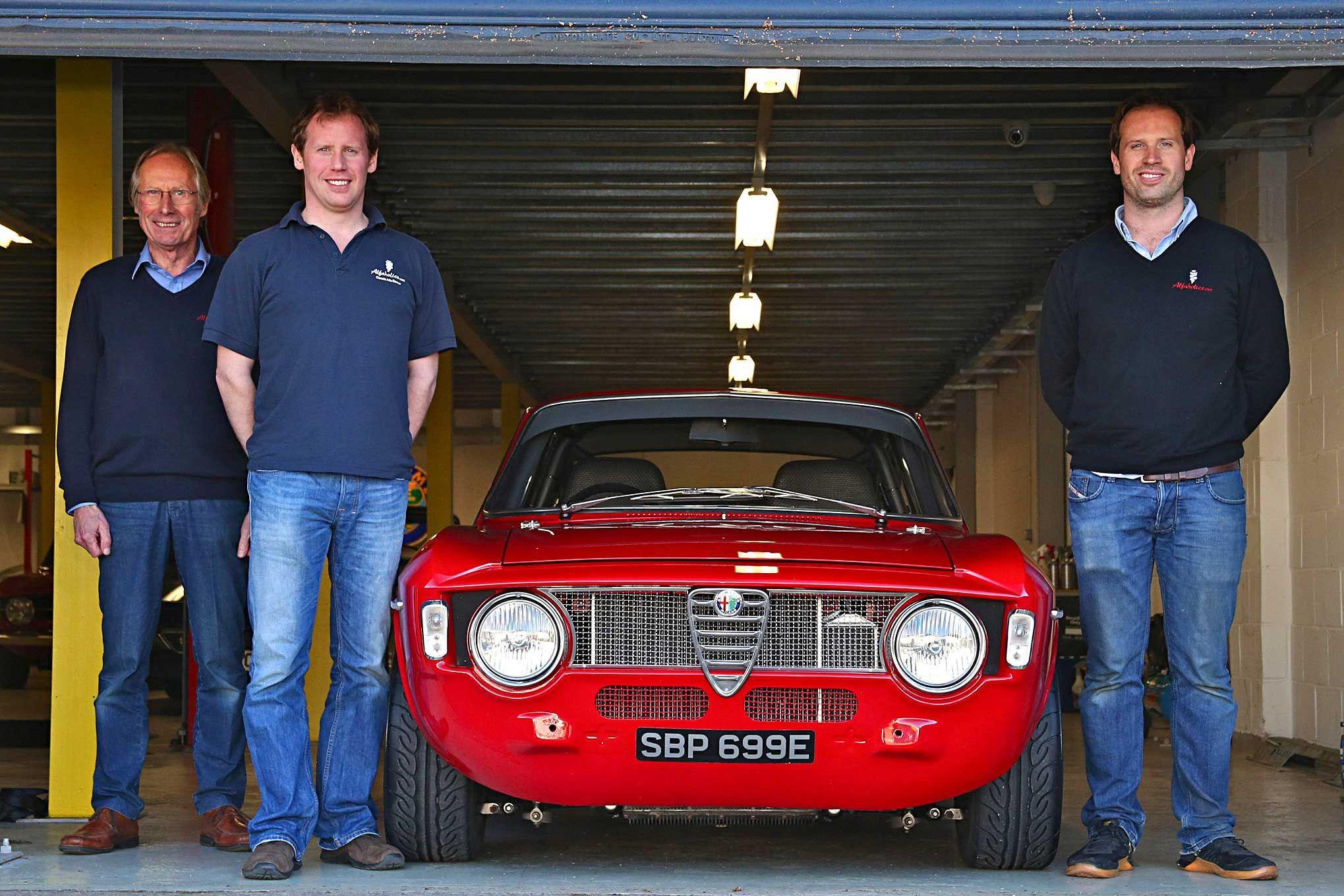 L'équipe responsable de la Alfaholics GTA-R 290