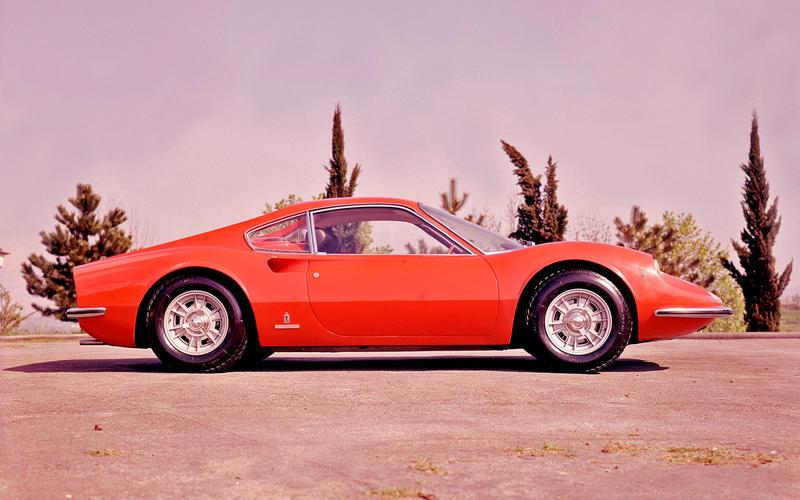 Dino 246 GT (1969) - Moteur central arrière