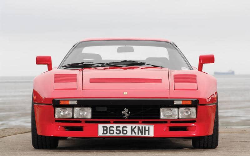 Ferrari 288 GTO (1984) - Moteur central arrière