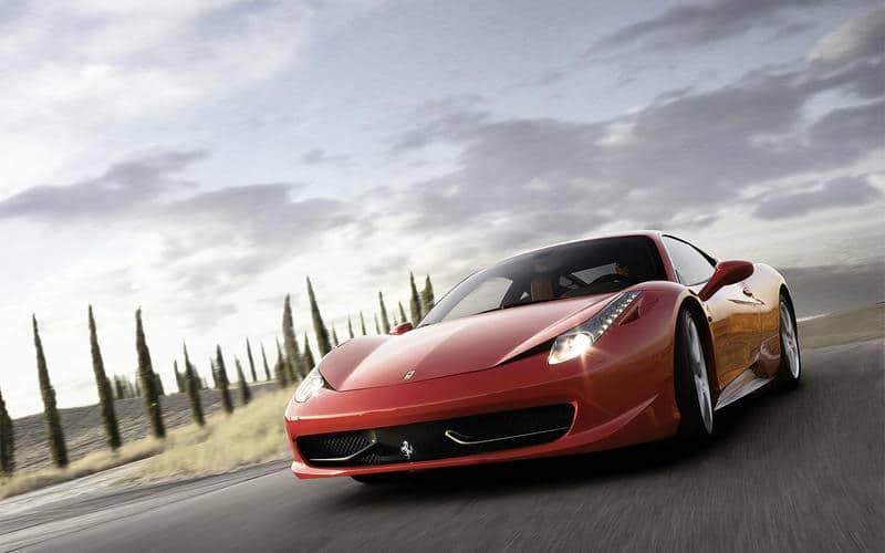 Ferrari 458 Italia (2009) - Moteur central arrière