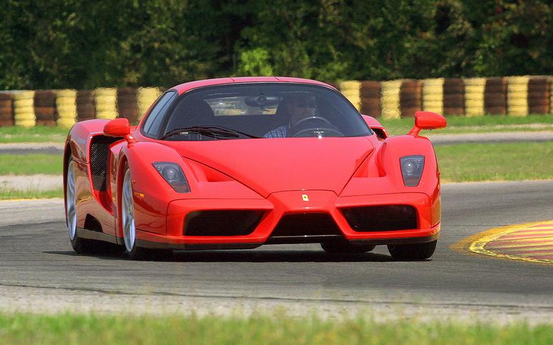 Ferrari Enzo (2002) - Moteur central arrière