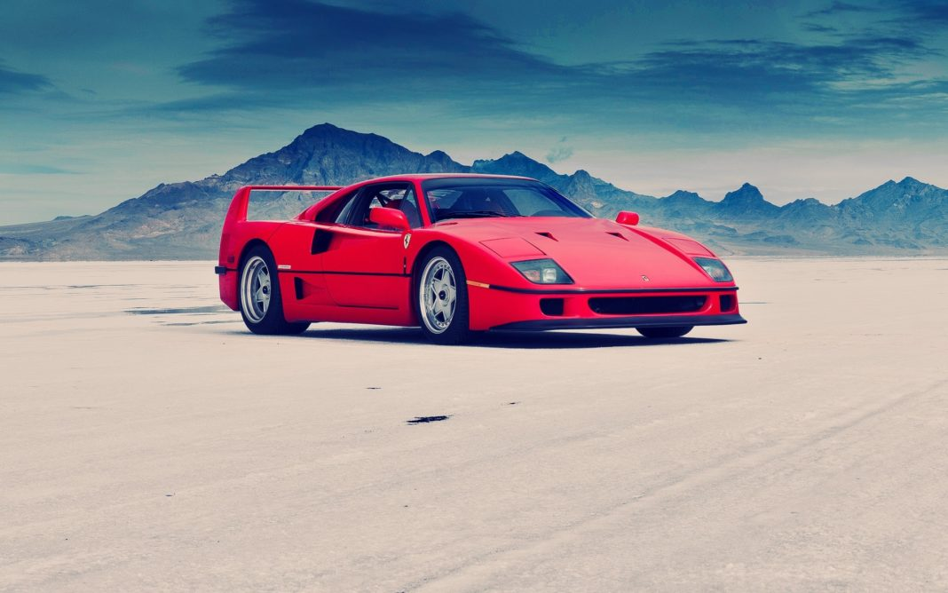 Ferrari F40 - Moteur central arrière