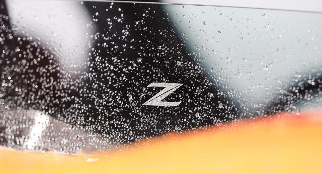 Nissan 370Zki snowmobile 5