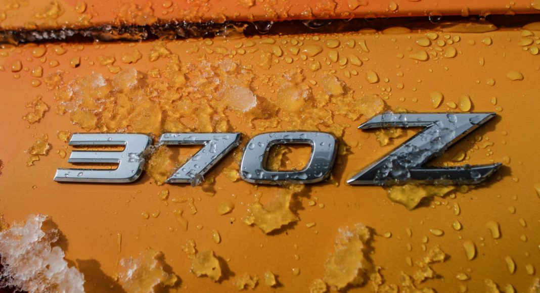 Nissan 370Zki snowmobile 9