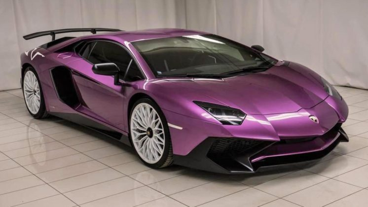 Lamborghini Aventador SV en Viola