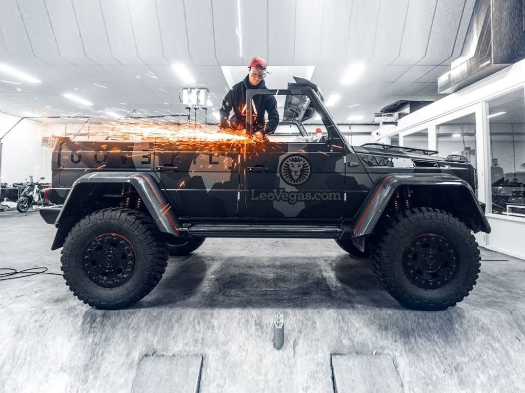 Jon Olsson coupe le toit de son Mercedes G500