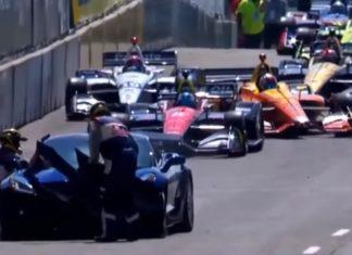 Mark Reuss crash une Corvette ZR1 au GP Indycar de Detroit