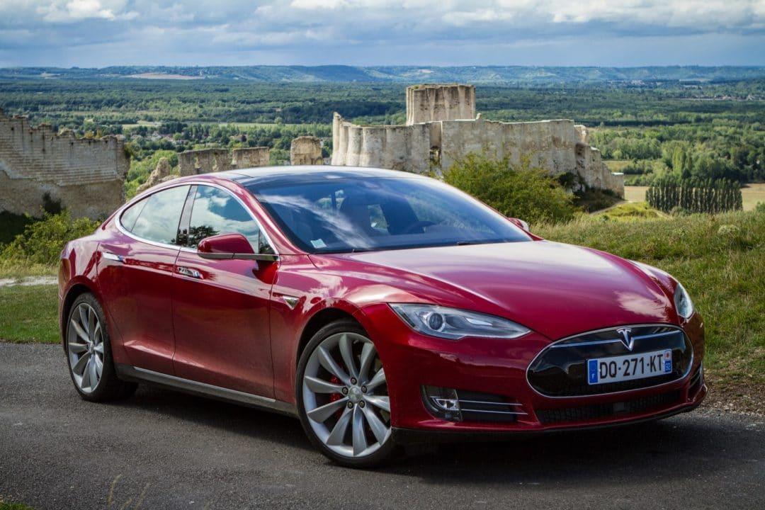 Voiture électrique : Model S P85D