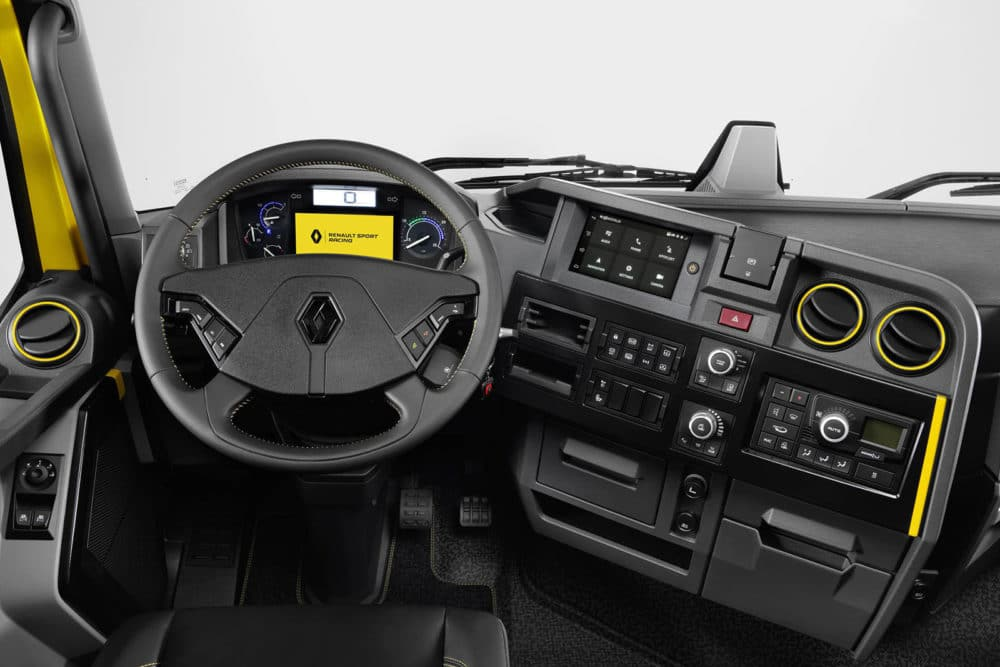 Intérieur du Renault Trucks T High RS Racing