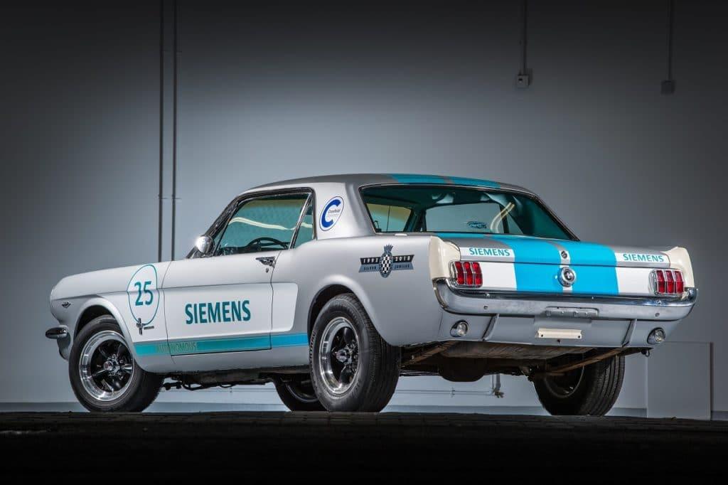 Siemens a Goodwood avec une Mustang 1965