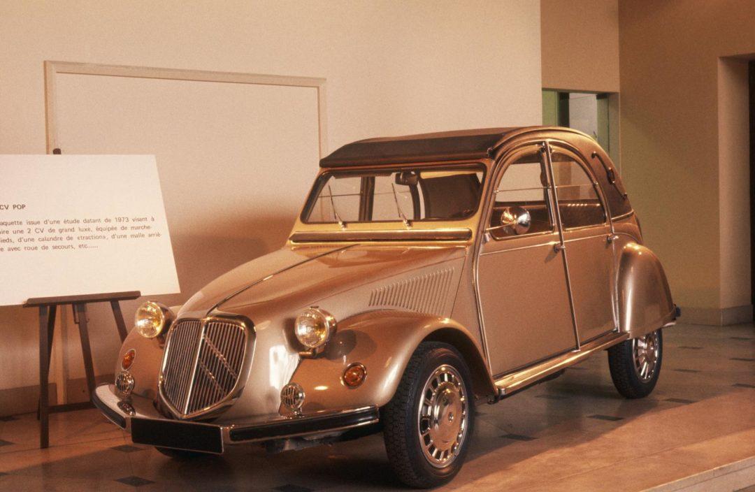 """Voitures abandonnées - Citroën 2CV (""""Pop"""") Super"""