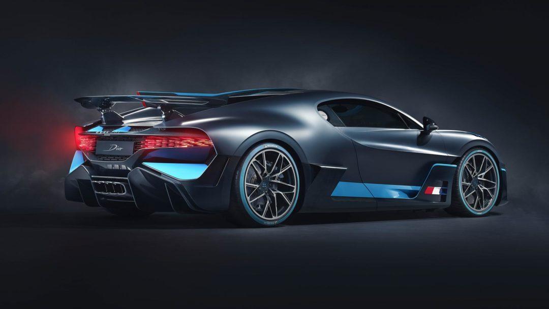 (1) Bugatti Divo