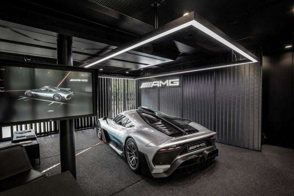 Showroom Mercedes-AMG ONE Mondial de l'Auto 2018