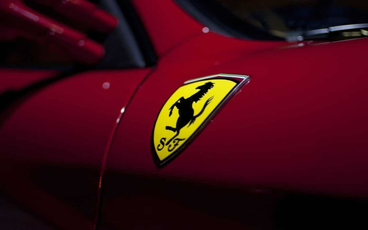 Ferrari hybride SUV 2022