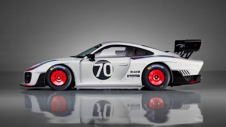 Porsche 935 Moby Dick de profil