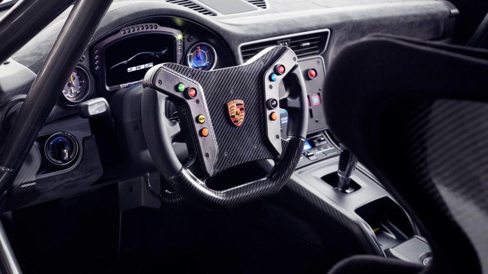 Intérieur cockpit de la Porsche 935 Moby Dick