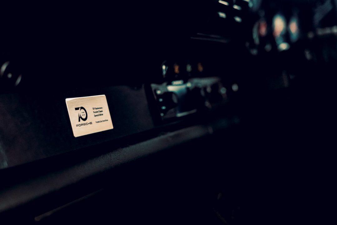 Plaque commémorative pour les 70 ans de Porsche