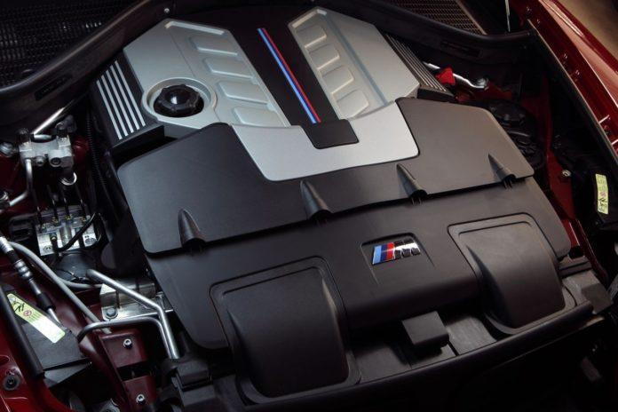 Moteur BMW V8 dans une Jaguar