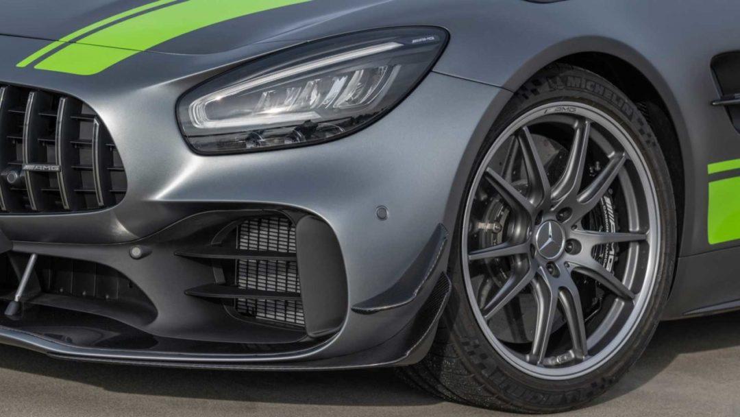 Mercedes-AMG GT R Pro ailettes avant