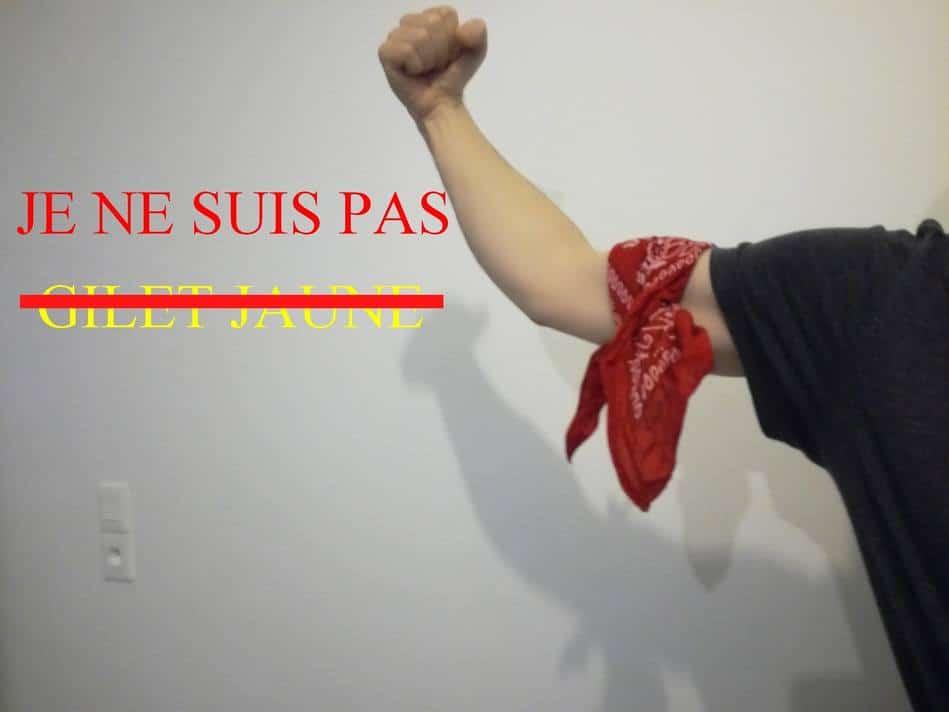 Foulards rouges