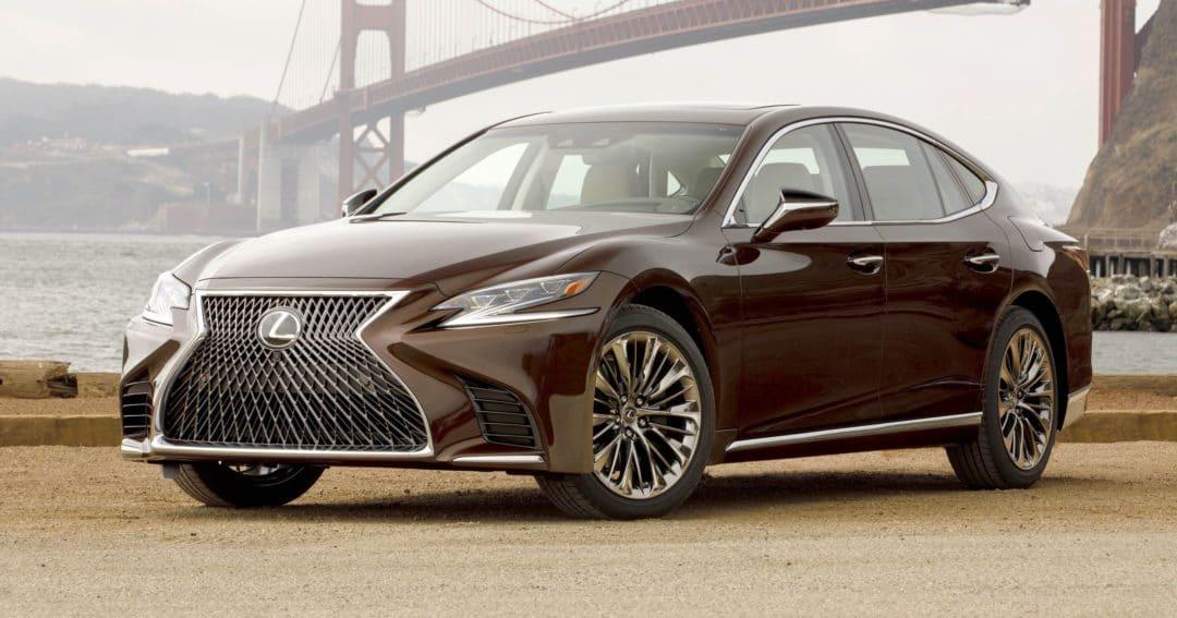 Lexus : roues arrière directrices