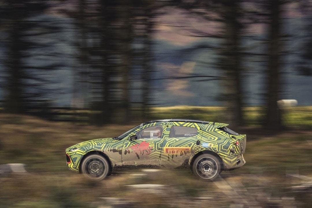 2019 Aston Martin DBX protoype (1)