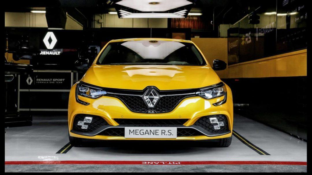 Face avant de la Renault Mégane RS Trophy 300