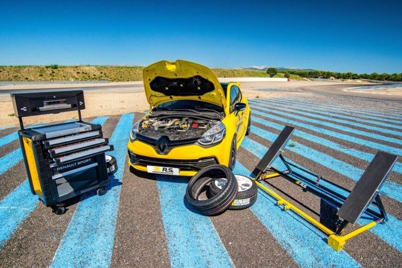 Gamme produits dérivés Renault sport Gamme Accessoires RS Performance