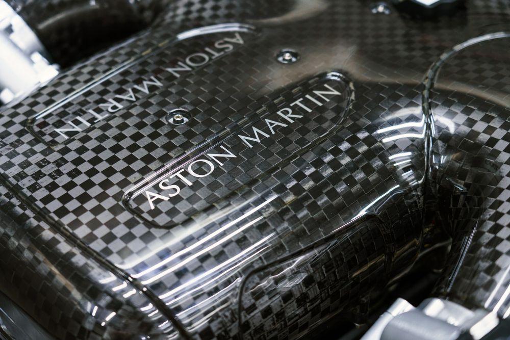 Collecteur en fibre de carbone - Aston Martin Valkyrie