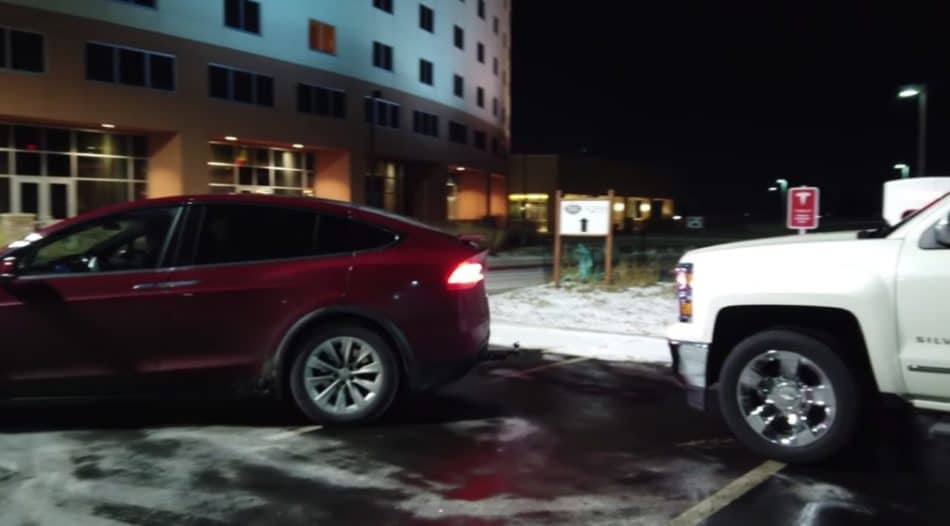 Tesla Model X vs Chevrolet Silverado parking