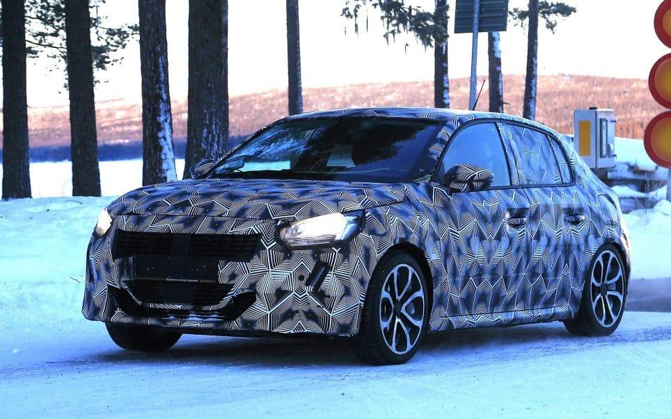 Peugeot 208 (2019) : Apparition Sous Camouflage Avant Genève