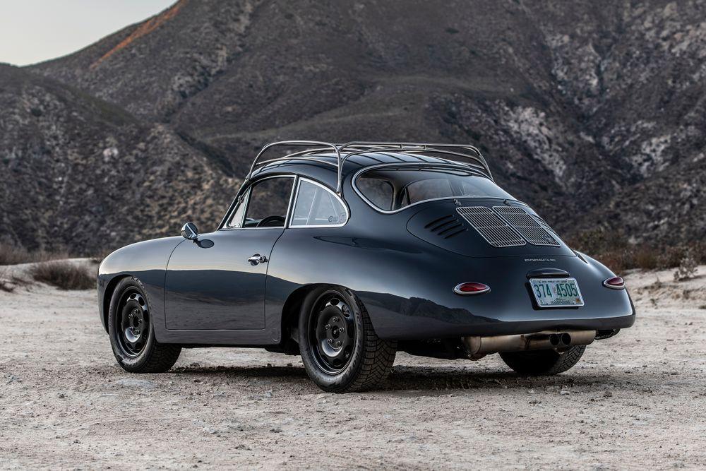 Porsche 356 par Emory Motorsports (3/4 arrière)