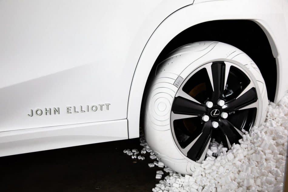 Lexus et John Elliott