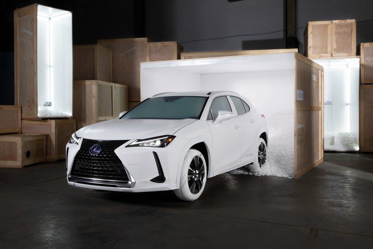 Lexus UX par John Elliott