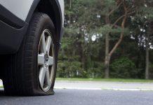 Rouler avec un pneu crevé est dangereux