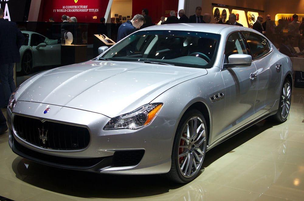 Supercars - Maserati Quattroporte