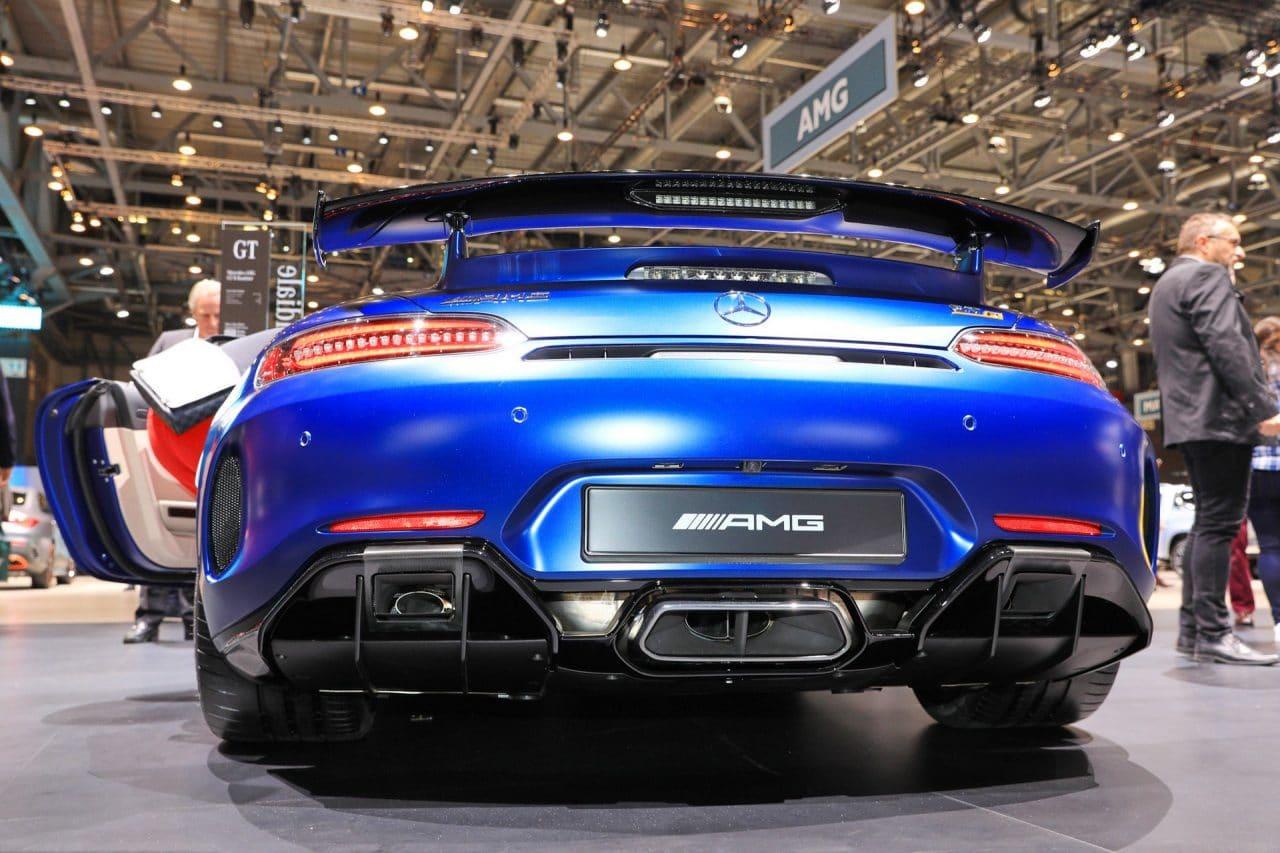 Fausse sortie échappement AMG GT R