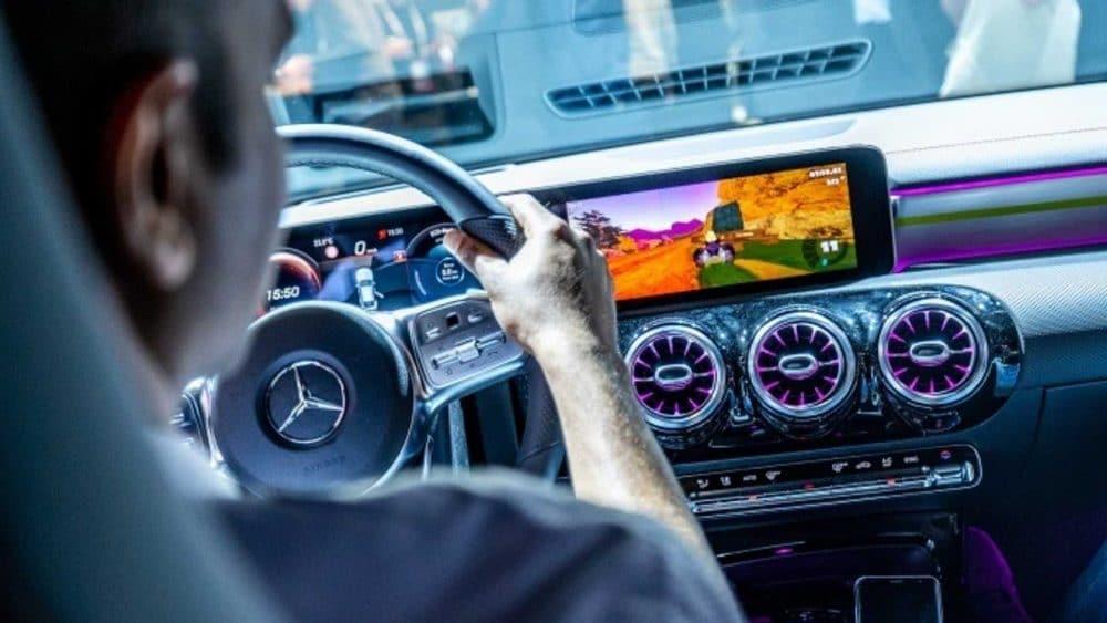 Jouez à Mario Kart dans la nouvelle Mercedes CLA