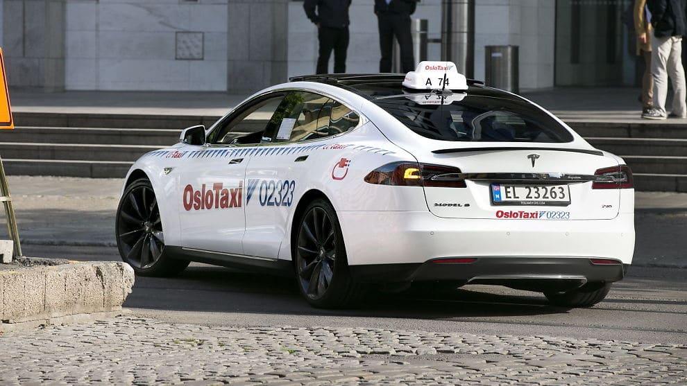 Vers la recharge par induction à Oslo pour toutes les taxis ?