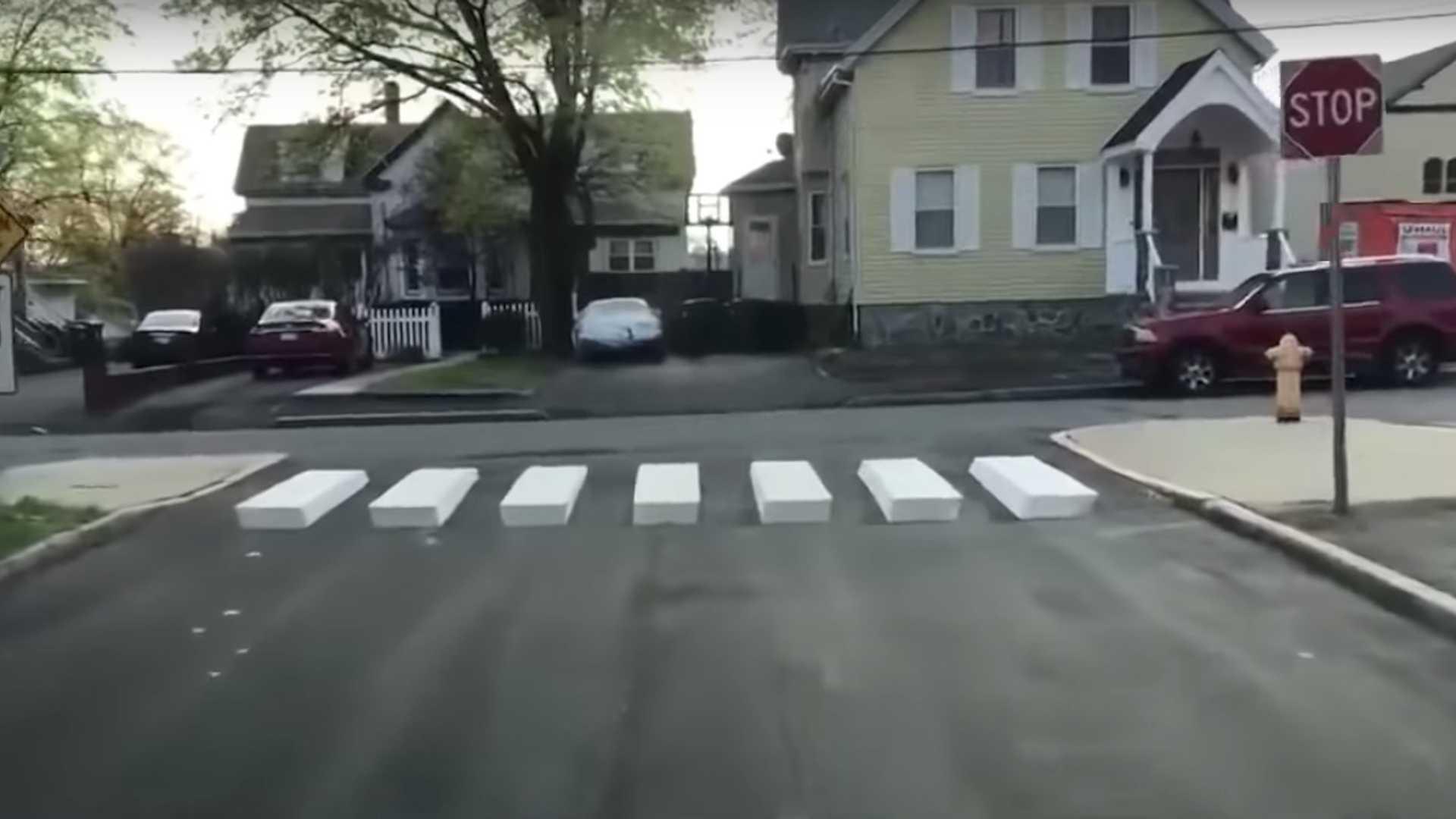 Un passage piéton en 3D pour réduire la vitesse en ville