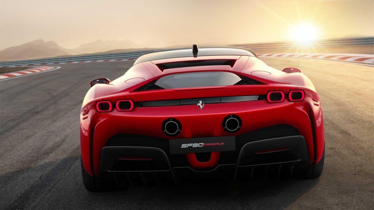 Ferrari SF90 Stradale arrière
