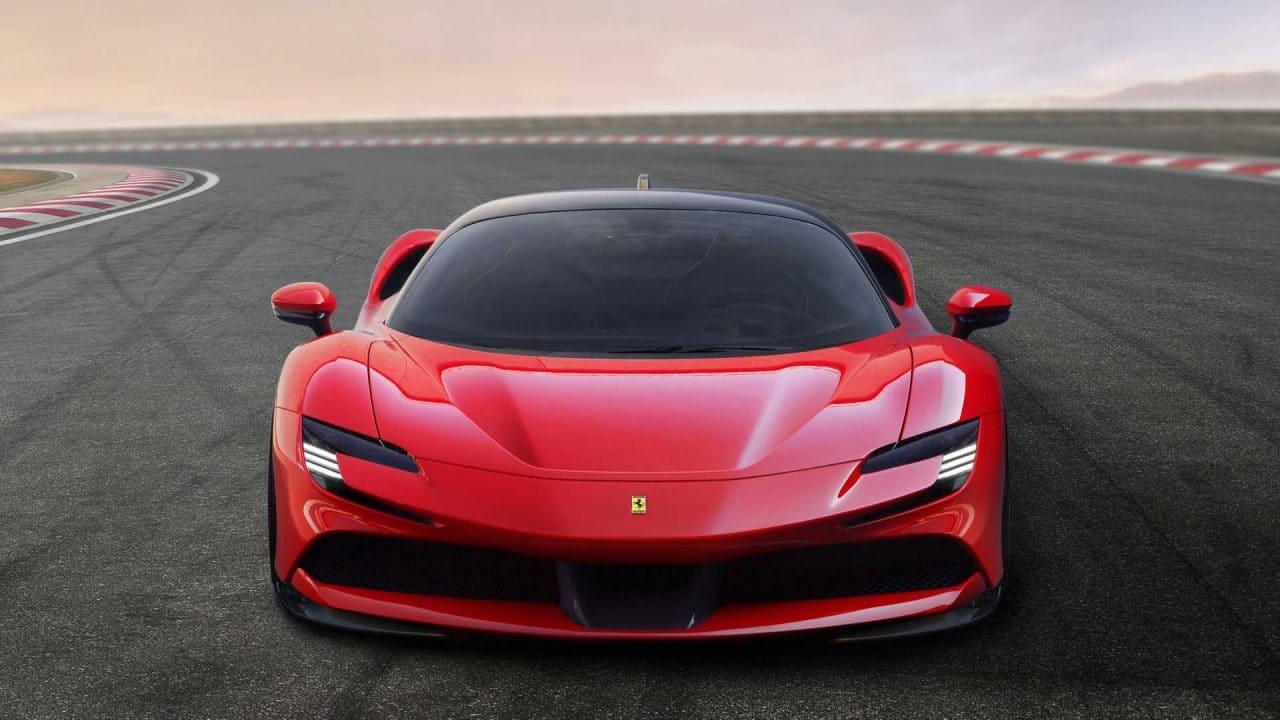 Ferrari SF90 Stradale avant
