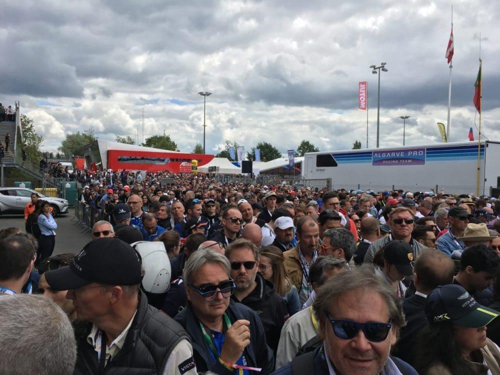 Entrée du grid walk des heures du Mans (2019)