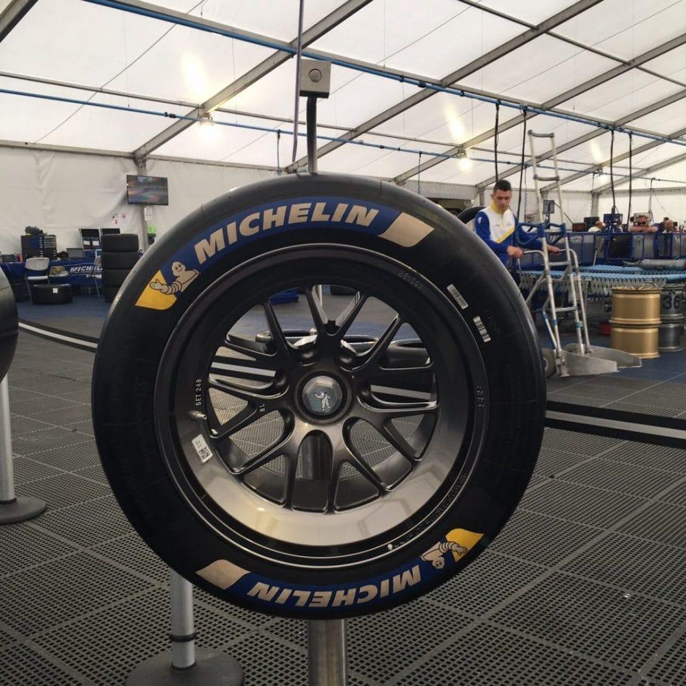 Pneus HYBRID / Michelin Tour - 24 heures du Mans