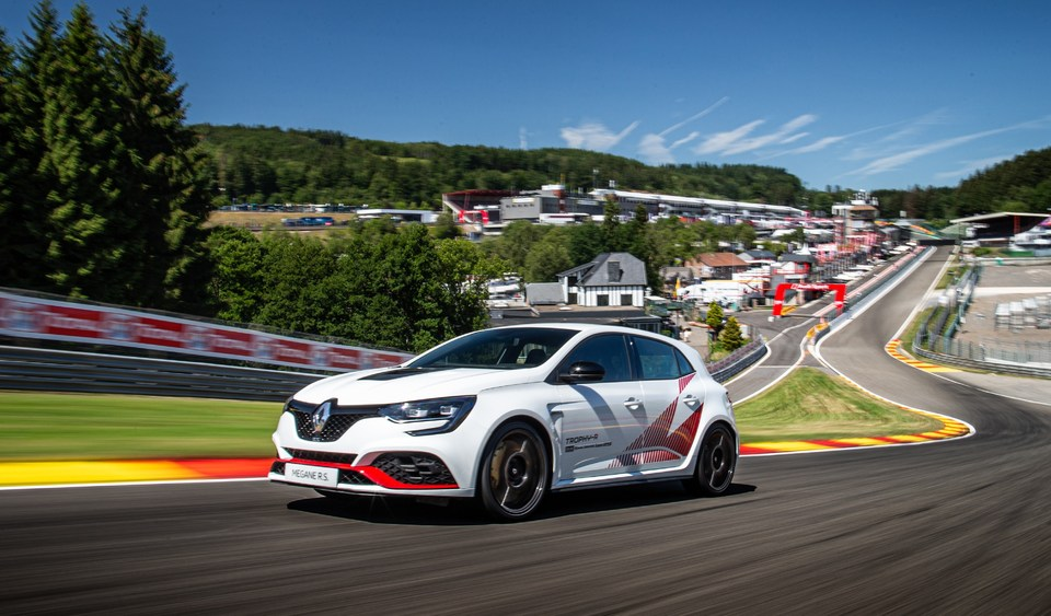 Renault Mégane RS Trophy R bat le record au tour à Spa