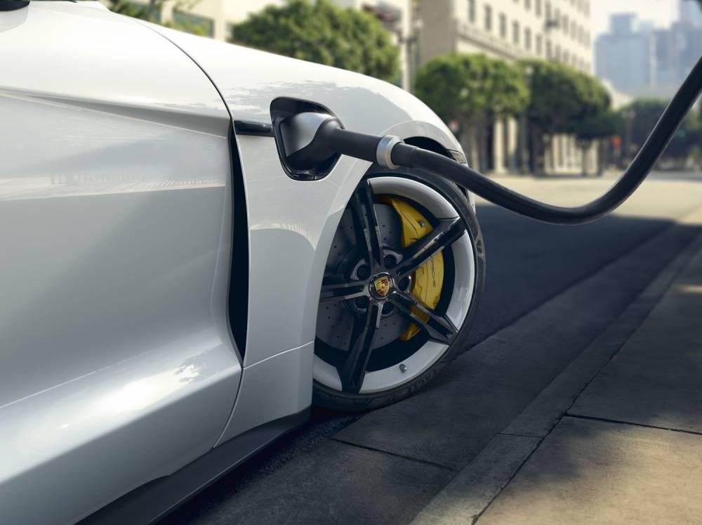 Porsche électrique