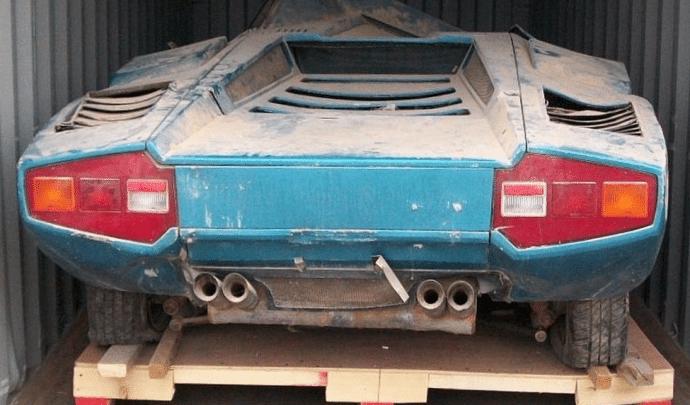 Lamborghini Countach retrouvée après 40 ans de conteneur
